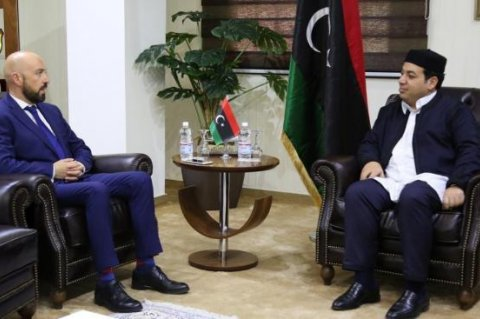Neville Gafa (L) meeting with Presidential Council member Ahmed Mitiq
