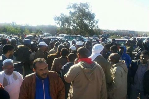 Tawerghans grouping in east Sirte waiting for permission to move on
