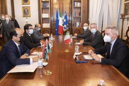Italy's Defense Minister renews support for technical military agreement with Libya