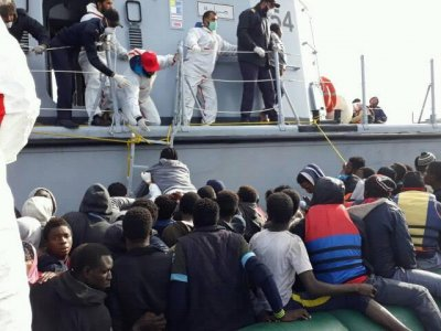 335 illegal immigrants rescued off Libya coast