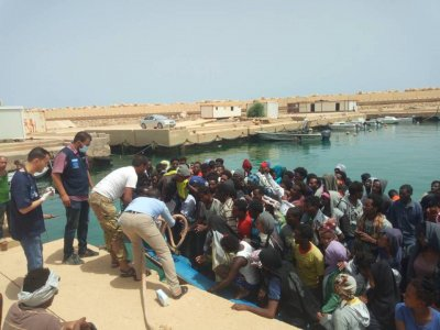 Libyan Coast Guard rescues 61 illegal immigrants off the coast of Zawiya
