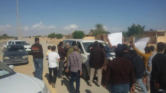 Martin Kobler departs Tobruk after being prevented from going into city by protesters