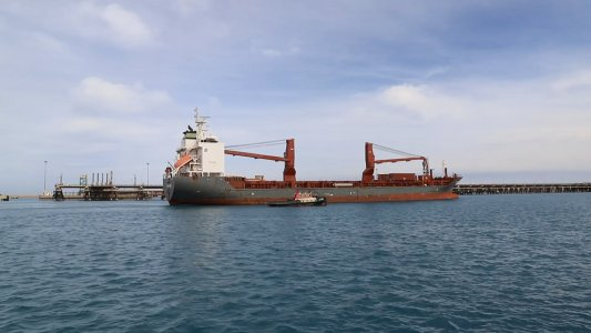 Cargo ship arrives at Ras Lanuf port after 9 years of suspension