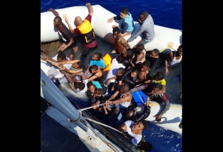 IRC: Numbers of immigrants returned to Libya in 2021 set a record