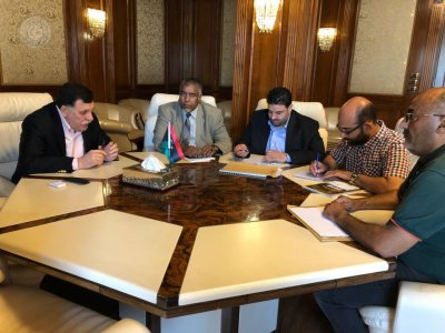Souq Al-Jumuaa mayor meets Presidential Council head to find solution to garbage pile-up