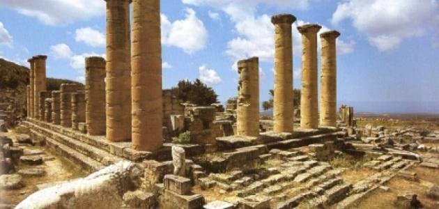 Stolen Libyan artifacts due to be returned from Spain